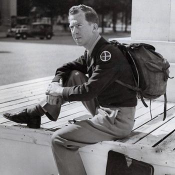 Le sit-in de Garry Davis devant l'entrée de la prison du Cherche-Midi, en 1949