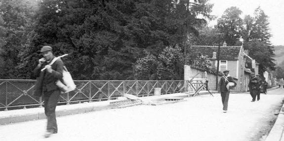 Exode pénitentiaire en juin 1940. Prisonniers de la maison centrale de Clairvaux.