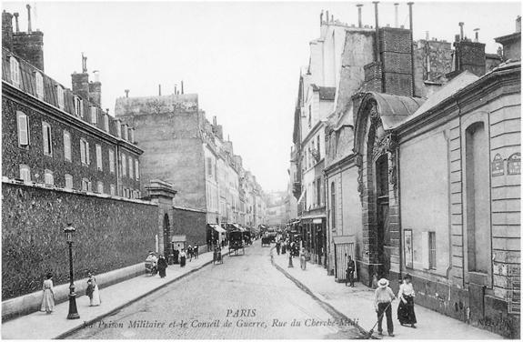 La rue du Cherche-Midi et ses prisons militaires.