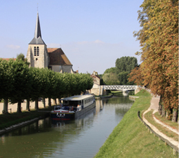Canal de Briare à Montbouy. Photo Jacky Tronel.