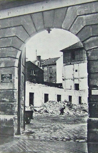 Démolition de la prison du Cherche-Midi en 1966. Photo revue Bâtir, 1970.