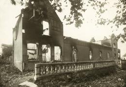 Maison en ruines. Incendie de Mouleydier par les Allemands en juin 44.