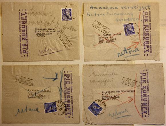 """Enveloppes d'expédition du journal Die Zukunft, avec mention """"Retour à l'envoyeur""""."""