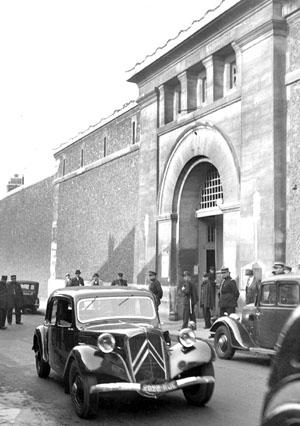 Prison de la Santé, Paris, 1939, © Lapi / Roger Viollet.