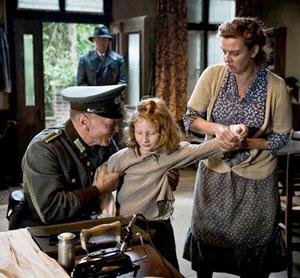 Scène du film Marga, dans la cuisine de la ferme des Aschoff.
