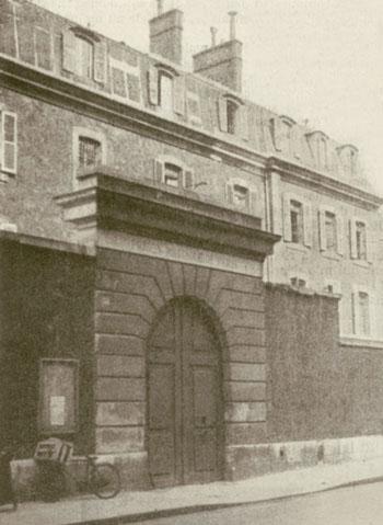 Porche d'entrée de la prison militaire du Cherche-Midi