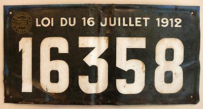"""Plaque de contrôle spécial d'un véhicule de """"nomades"""" (loi du 16 juillet 1912)."""