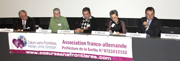 Tribune des intervenants au Mémorial de Caen, le 20 novembre 2010.