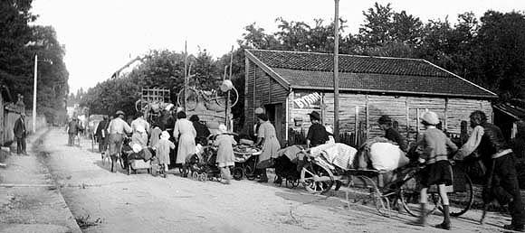 Scène d'exode, juin 1940.