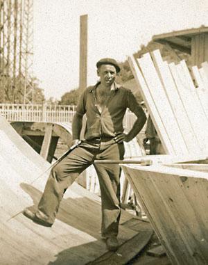 M. Esparta, travailleur espagnol intégré à un GTE travaillant sur le chantier du barrage de l'Aigle,1942