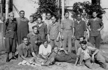 Espagnols du 652e GTE stationné à Mauzac (Dordogne)