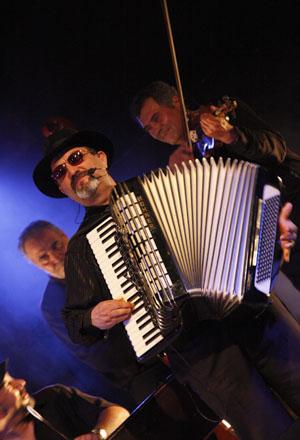 Musiciens du groupe Urs Karpatz, Lalinde (Dordogne), 21 mai 2011.