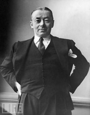 Paul Reynaud, le 1er janvier 1940, dans son bureau du Ministère des Finances