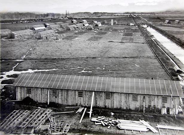 Installation du centre d'accueil des espagnols du camp de Gurs le 1er avril 1939.