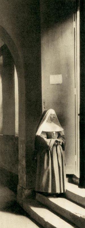 Religieuse à Saint-Lazare, surveillante à la prison pour femmes de Paris