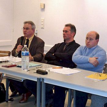 """Présentation de l'ouvrage """"Vichy en Aquitaine"""", le 21 janvier 2012, à Sainte-Foy la Grande. Jacky Tronel, Jean-Pierre Koscielniak et Philippe Souleau"""