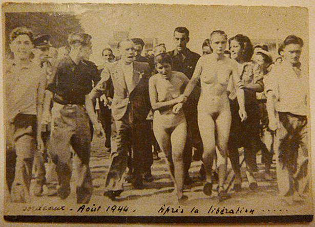 La photo originale des deux femmes tondues à Bordeaux en août 1944. Photo François Mendiboure, Biarritz.