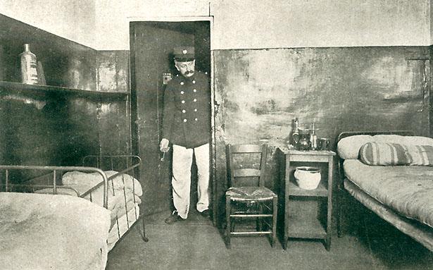 La cellule de Madame Steinheil au quartier de la Pistiole à la Prison Saint-Lazare, 1909.