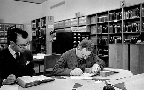 Walter Benjamin à la Bibliothèque nationale, Paris, 1937