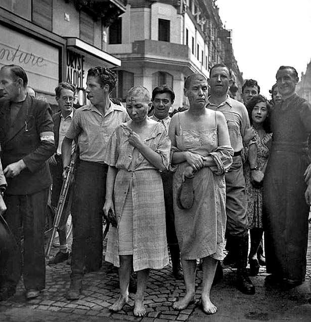 Femmes tondues, Paris, août 1944. Photo Serge de Sazo.