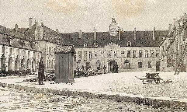 La Maison pénitentiaire de Clairvaux. La cour d'honneur et le greffe.