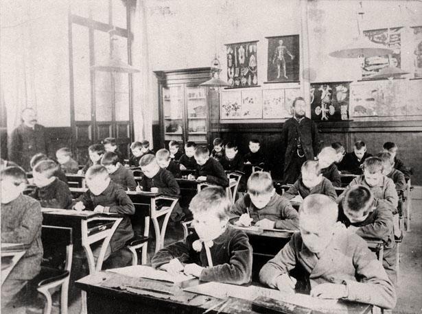 Classe d'école à la fin du 19e siècle