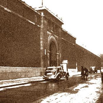 42 rue de la prison de la Santé, d'après une photo de Roger Viollet en 1946.