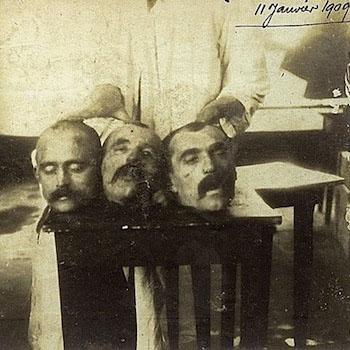 Théophile Deroo, Abel et Auguste Pollet, guillotinés à Béthune, le 11 janvier 1909.