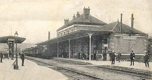Gare du village de Le Buisson (Dordogne)