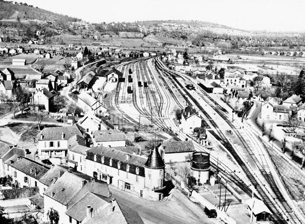 Vue aérienne de la gare de Le Buisson (Dordogne)