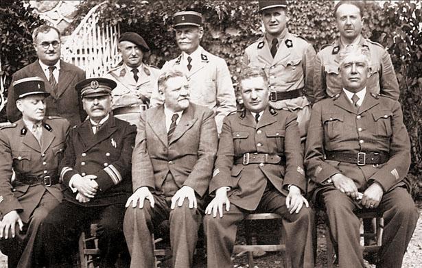 État-major de la Poudrerie de Mauzac, 1940, coll. J. Tronel