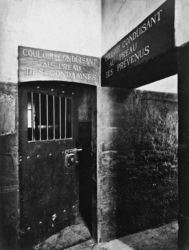 prison du Cherche-Midi, hô™tel des conseils de guerre et maison de justice militaire.