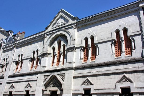 Périgueux : façade du temple maçonnique donnant sur la rue Saint-Front