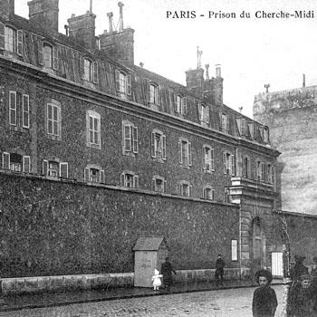 Prison militaire de Paris, rue du Cherche-Midi.