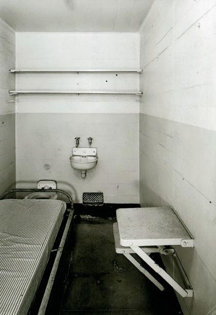 Une cellule du pénitencier fédéral d'Alcatraz. Photo coll. J. Tronel