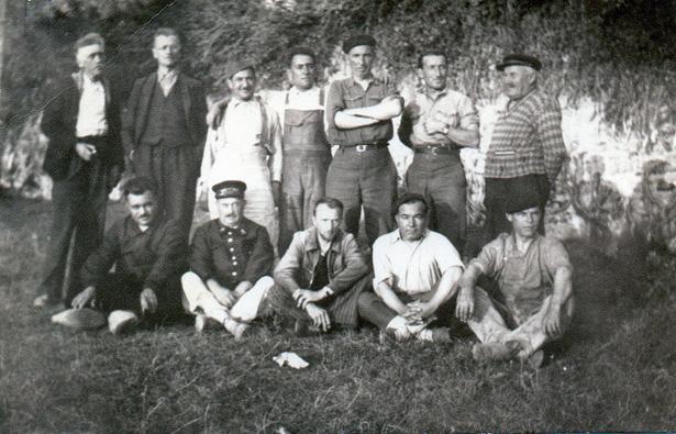 Groupe de « surveillés» du centre de séjour surveillé du château du Sablou, photo Claire Frossard.