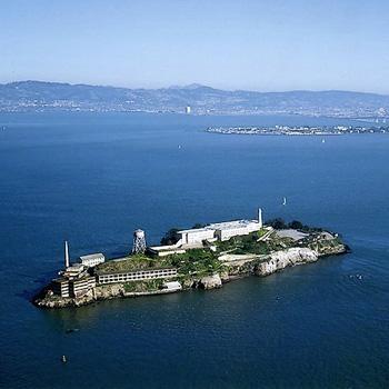 Baie de San Francisco, Alcatraz, pénitencier fédéral jusqu'en 1963.
