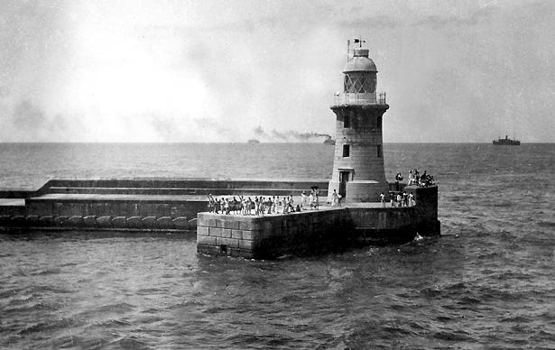 Départ du Port de Colombo, Ceylan, coll. Tom Beazley.