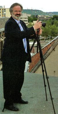 """Étienne Madranges, auteur de """"Prisons : Patrimoine de France"""", sur le toit de la prison Bonne-Nouvelle de Rouen."""
