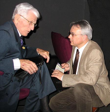 Louis Piéchota et Jacky Tronel, participant à un colloque à Pessac, en avril 2011. Photo Frédéric Roussel.
