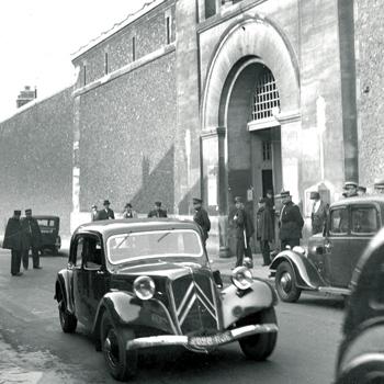 Maison d'arrêt de la Santé, Paris 14e, 1939, annexe de la prison militaire de Paris, © Lapi / Roger Viollet.