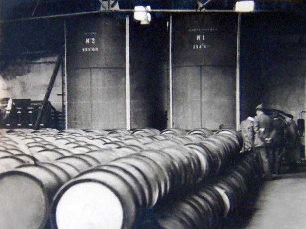 """Le carburant """"Libération"""" de la région bordelaise, automne 1944."""