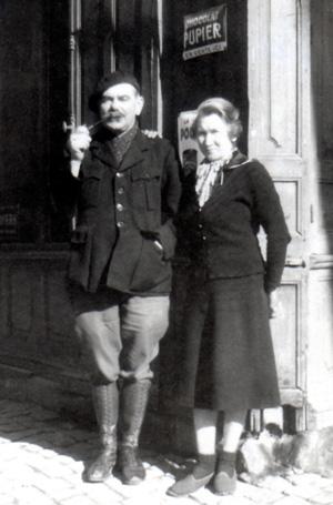 Ses parents…Pierre-Joseph, le père, est adjudant-chef à la prison militaire de Paris