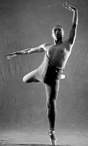 """Sam Wallet, danseur et chorégraphe, auteur du ballet-théâtre """"Tonsae""""."""
