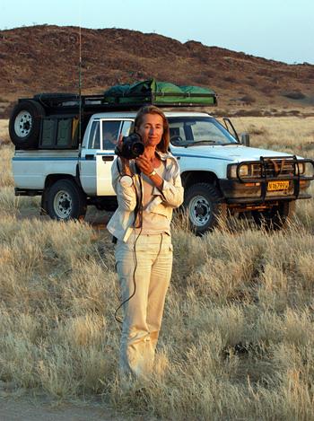 Rina Sherman, cinéaste ethnographe chez les Ovahimba, à la frontière de la Namibie et de l'Angola