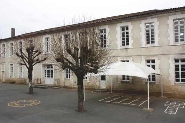 ecole_gambetta_ancienne_prison_de_nontron_3