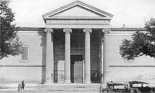 Palais de justice de Périgueux où siège finalement le Tribunal militaire de la 12e région militaire. Coll. La Thèque.