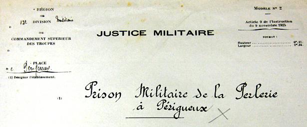 Registre d'écrou de la Prison militaire de Paris repliée à Mauzac, annexe de La Perlerie à Périgueux.SHD-DAT Vincennes.
