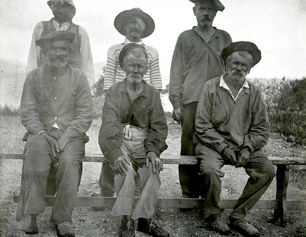 Groupe de lépreux du bagne de Nouvelle-Calédonie, photo Léon Collin, entre 1906 et 1910.